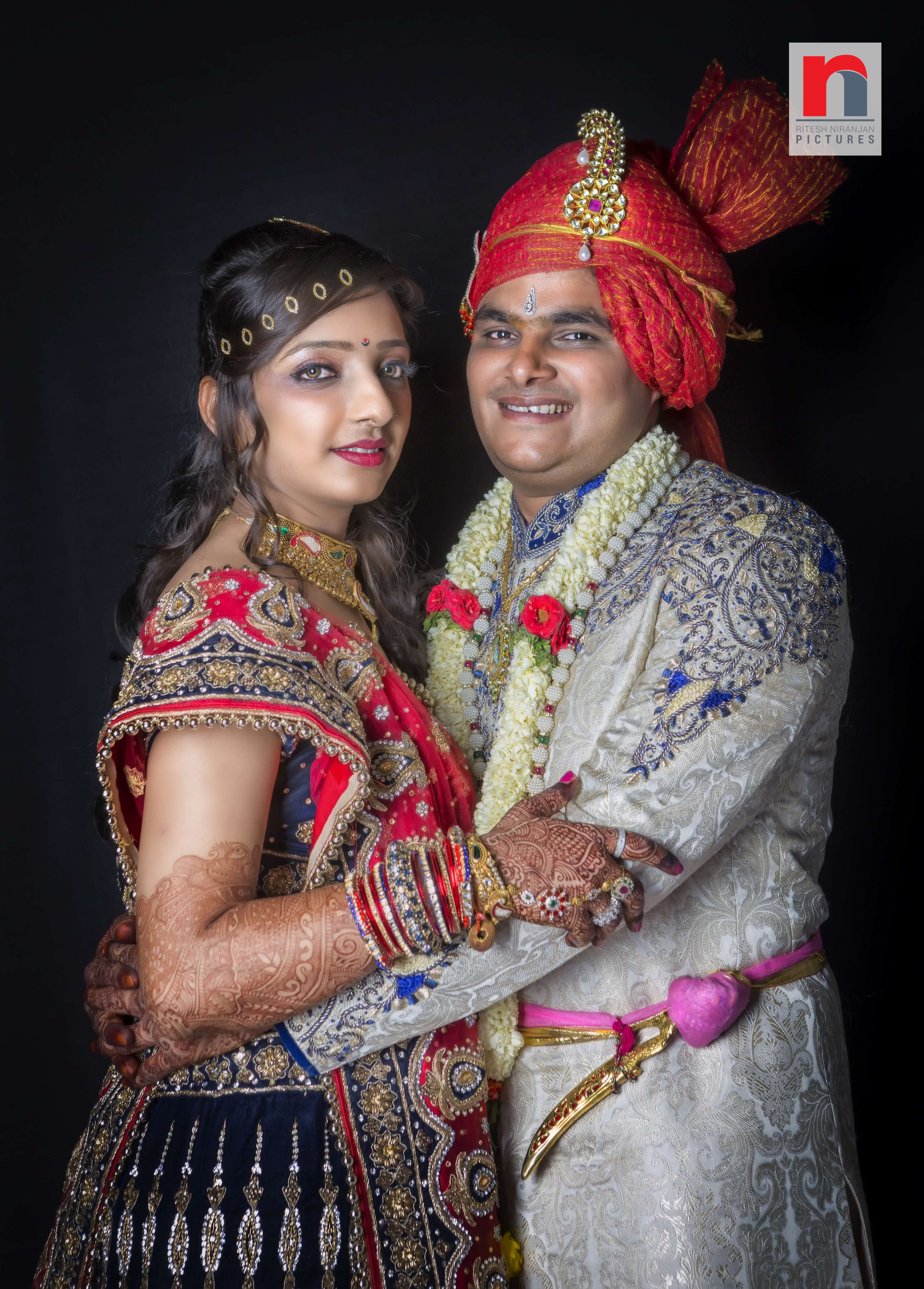 Indian Couple at wedding rnPictures